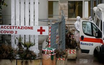 Roma, accettazione del reparto Covid 2 del Policlinico Gemelli