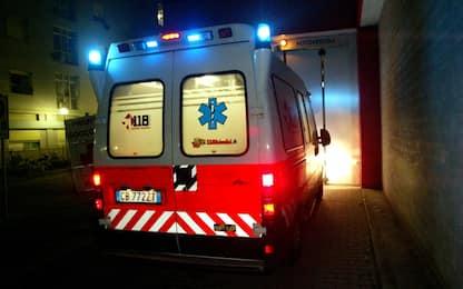 Incidente stradale a Milano, auto sbanda in zona Famagosta: un morto