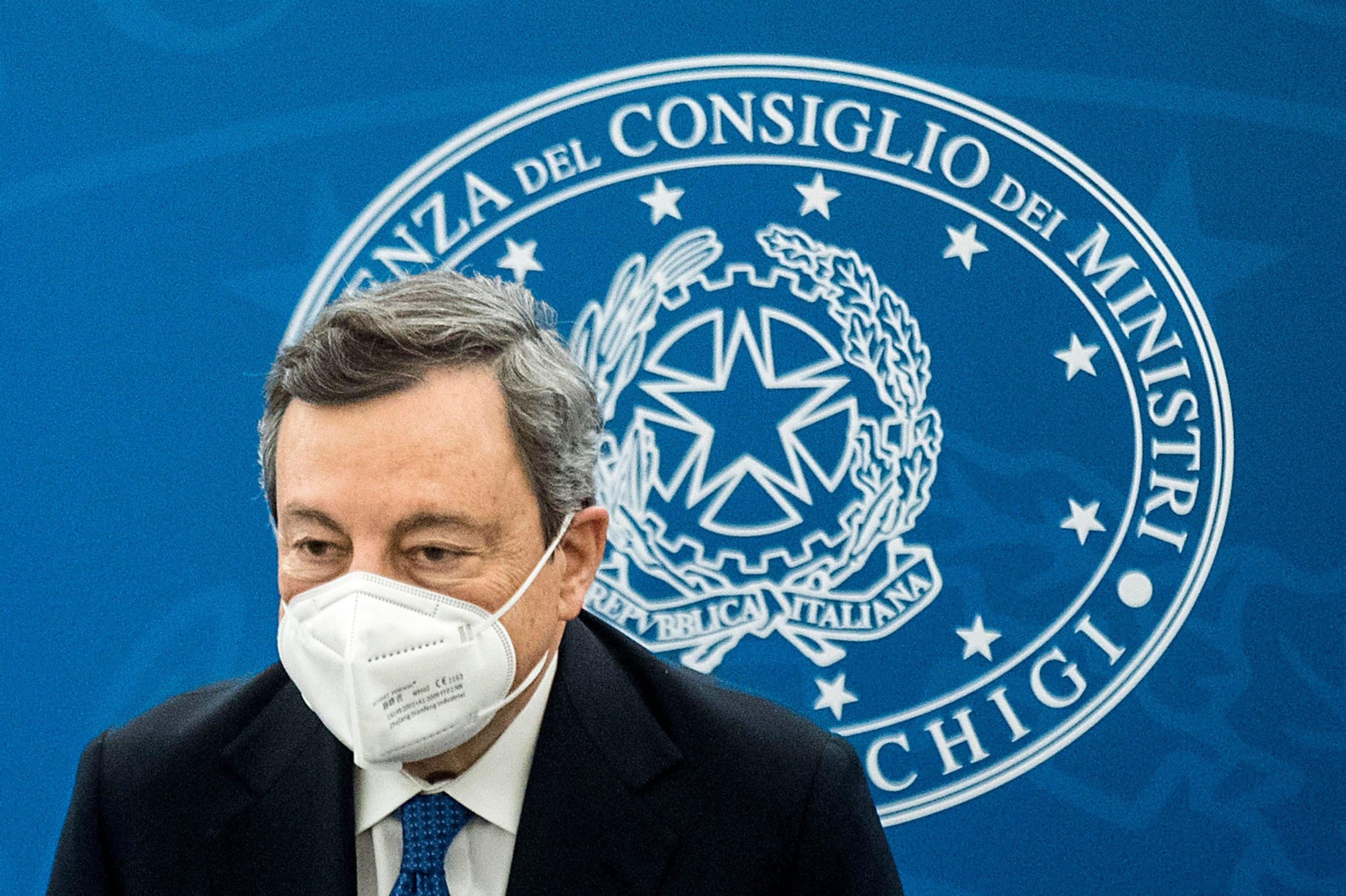Covid, nuovo decreto: cabina di regia e Draghi in conferenza stampa