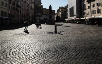 A view of the semi deserted Campo de Fiori Square during Easter Sunday lockdown due to the Coronavirus (COVID-19) pandemic emergency in Rome, Italy, 04 April 2021. ANSA/ANGELO CARCONI