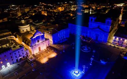 Sisma L'Aquila, 309 rintocchi e fascio di luce in ricordo vittime