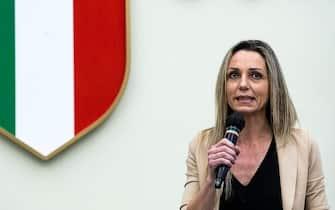 La sottosegretaria alla Presidenza del Consiglio per lo Sport Valentina Vezzali durante lÕevento di presentazione ufficiale dell'emblema delle Olimpiadi invernali di Milano-Cortina 2026 presso il CONI, Roma, 30 marzo 2021. ANSA/ANGELO CARCONI