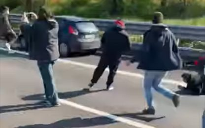 Autostrada A1, sit-in dei ristoratori, investito un manifestante