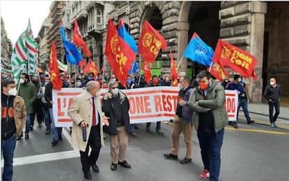 Genova, sciopero dei lavoratori di Leonardo: corteo in centro