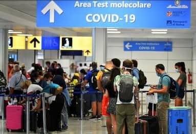 Coppia italiana bloccata in India, stasera il rientro a Pisa
