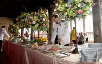 08 May 2019, Italy, Venedig: During the pre-opening period of the Venice 2019 Art Biennale, a breakfast buffet has been set up in the Loggia Foscari in the Palazzo Ducale as part of an event for the artist of the Australian Pavilion, Renate Bertlmann. The international art exhibition starts on 11.05.2019 and ends on 24.11.2019. Photo: Felix Hörhager/dpa