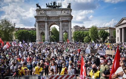 Milano, in piazza politici e artisti per chiedere approvazione Ddl Zan