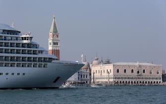 Grandi navi nella lagina di Venezia