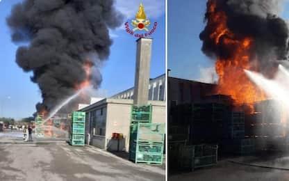 Castelfranco Veneto, incendio alla Stiga: fumo e paura tra i residenti