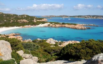 """Un'immagine della Spiaggia Rosa diffusa il 31 gennaio 2013 dall' """"Ente Parco Nazionale dell'Arcipelago di La Maddalena"""".  ANSA"""