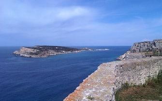 Una veduta panoramica dell'sola Capraia da San Nicola. Isole Tremiti, in una immagine del 08 aprile 2012 ANSA/MONICA DIAMANTI