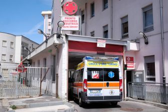 The arrival of a wounded man, in the accident of the cable car crashed in Mottarone Stresa, near Turin, at the Regina Margherita hospital of the Piedmontese capital, Italy, 23 May 2021. The death toll has risen to thirteen, reports the Alpine Rescue.  ANSA/ALESSANDRO DI MARCO