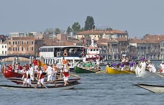 La tradizionale regata della Vogalonga a Venezia