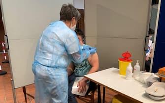 ANSA-FOCUS/ Dj e dosi, in Alto Adige il 'rave' dei vaccini Bressanone - Credit: ANSA/G.News