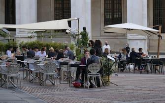 Bergamo turismo in lenta ma costante ripresa, si rivedono in Bergamo alta turisti stranieri, tedeschi e francesi in particolare ma anche qualche asiatico. Le funicolari hanno ripreso a buon regime e buona affluenza in bar e ristoranti anche in settimana.