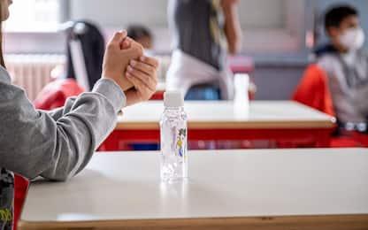 Covid, Costa: ipotesi punti di vaccinazione nelle scuole