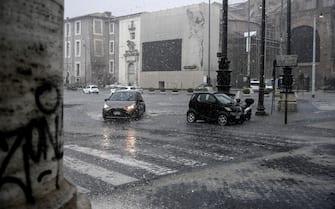 Pioggia e maltempo a piazza della Repubblica a Roma, 8 giugno 2021. ANSA/RICCARDO ANTIMIANI