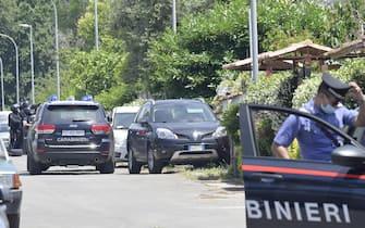 Forze speciali dei carabinieri in via Colle Romito dove due bambini e un adulto sono morti a colpi di arma da fuoco Ardea, 13 giugno 2021. ANSA/CLAUDIO PERI