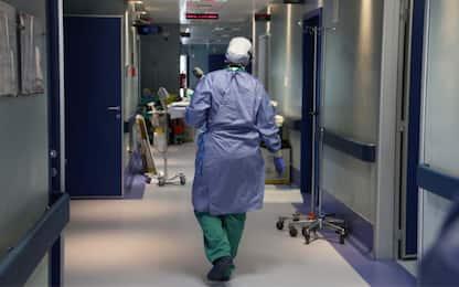 Obbligo vaccinale, scattano le sospensioni per gli operatori sanitari