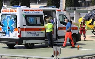 Nicola Tanturli e la sua mamma Giuseppina arrivano con l elicottero del 118 all eliporto dell ospedale di Careggi per essere trasferitI all ospedale pediatrico Meyer a  Firenze,23 Giugno 2021.ANSA/CLAUDIO GIOVANNINI