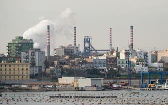 L'Ilva di Taranto, la seconda più grande acciaieria d'Europa, al centro di polemiche politico ambientali. Nella foto il complesso industriale visto dal Mare Piccolo di Taranto. 02/12/2017, Taranto, Italia