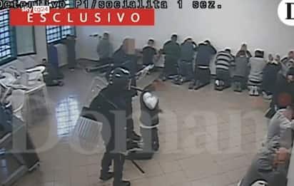 """Violenze in carcere, garante: """"Pm hanno video più raccapriccianti"""""""