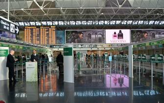 L'area check in di Alitalia all'aeroporto Leonardo da Vinci nel giorno dello sciopero del trasporto aereo, Fiumicino (Roma), 25 novembre 2019. ANSA/TELENEWS