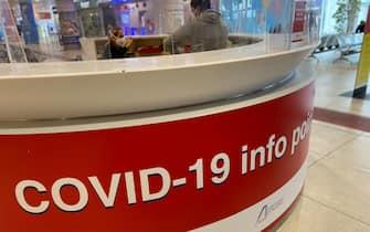 L'info point Covid-19 dell'aeroporto di Palermo