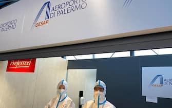 Controlli anti covid all'aeroporto di Palermo