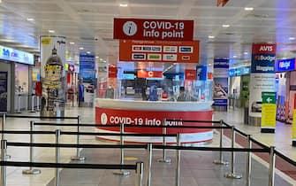 Punto informazioni Covid all'aeroporto di Palermo