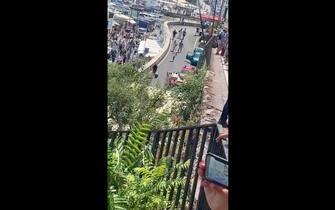 Il punto in cui il bus ha sfondato la barriera di protezione della strada a Capri