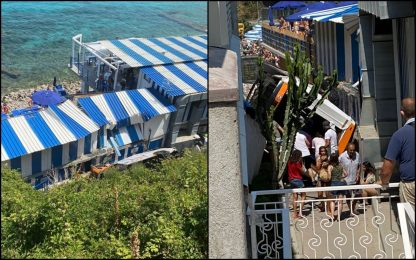 Capri, bus precipita su stabilimento balneare: ipotesi malore autista