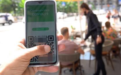 Green pass, i controlli con l'app VerificaC19: ecco come funziona