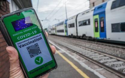 Green pass obbligatorio su navi, aerei e treni: le ipotesi del governo