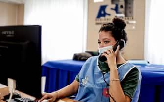 Il call center allestito nella sede dell' Azienda sanitaria dal direttore della ASL Napoli 1 Centro, Ciro Verdoliva,  per telefonare alle persone che non hanno aderito al piano vaccinale anti Covid  12  luglio 2021 ANSA / CIRO FUSCO
