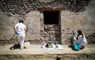 Apre al pubblico il termopolio della Regio V, l antica tavola calda di Pompei, tra le scoperte degli ultimi scavi. Napoli 6 Agosto 2021. ANSA/CESARE ABBATE