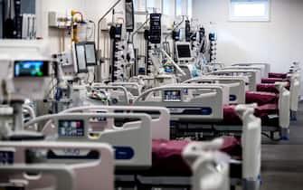 Un momento dell inaugurazione per attivazione di nuovi 18 posti letto di Terapia intensiva Covid presso l Ospedale Umberto I, durante l emergenza della pandemia per il Covid-19 Coronavirus, Roma, 19 marzo 2021. ANSA/ANGELO CARCONI