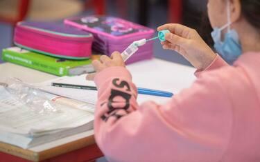 Covid, scuole sentinella per monitorare il virus: cosa sono e come  funzionano   Sky TG24