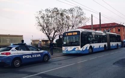 Rimini, uomo accoltella 5 persone: arrestato. Escluso il terrorismo