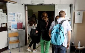 """Primo giorno degli esami di riparazione per gli studenti del Liceo """"Giulio Cesare""""  Roma 01 settembre 2021. ANSA/FABIO CIMAGLIA"""
