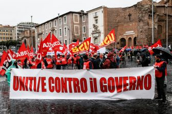 Manifestazione Cobas contro il governo Draghi, Roma 11 ottobre 2021. ANSA/FABIO FRUSTACI