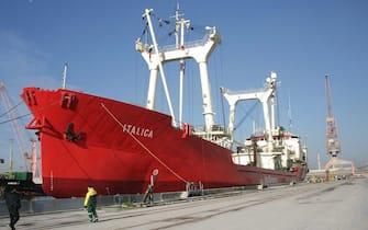 La nave italica ormeggiata nel porto di Ravenna