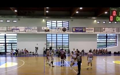 Basket, malore in campo: muore giocatore della Fortitudo Messina