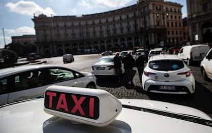 """Taxi, sciopero nazionale il 22 ottobre: """"Regole su app e abusivismo"""""""