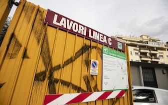 Una delle entrate del cantiere della Metro C al Celio dove si ? tenuta la conferenza stampa indetta dai sindacati unitari edili. Roma, 8 gennaio 2019 ANSA/MASSIMO PERCOSSI