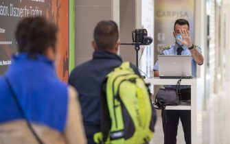 OLBIA, ITALY - JUNE 03: A mandatory temperature control at the entrance of the Olbia Costa Smeralda airport which reopened today after almost three months of lockdown due to the Covid-19 outbreak on June 03, 2020 in Olbia, Italy. The Olbia Costa Smeralda airport is reopening after the lockdown due to the Covid-19 pandemic.  (Photo by Emanuele Perrone/Getty Images)