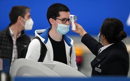 Coronavirus, il rischio contagi per chi torna dall'estero. FOTO