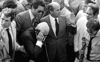 Una foto di archivio del  presidente della Repubblica Sandro Pertini accanto al pozzo nel quale era caduto Alfredino Rampi. ARCHIVIO ANSA/DEF