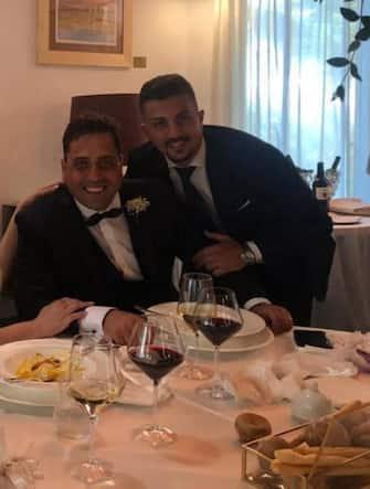 Mario Cerciello Rega (c) nel giorno del matrimonio con Rosa Maria Esilio, a l suo fianco il collega Andrea Varriale che era con lui la notte dell'accoltellamento a Roma, in una foto tratta dal profilo Facebook della fidanzata di Varriale, Adriana Giri. Il carabiniere di Somma Vesuviana è stato colpito a morte nella notte tra il 25 e il 26 lugilo, per l'omicidio sono stati fermati due giovani statunitensi, 29 luglio 2019. +++ ATTENZIONE LA FOTO NON PUO' ESSERE PUBBLICATA O RIPRODOTTA SENZA L'AUTORIZZAZIONE DELLA FONTE DI ORIGINE CUI SI RINVIA +++ ++ HO - NO SALES, EDITORIAL USE ONLY ++