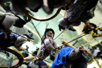 ROMA - LA BEFANA IN PIAZZA NAVONA - PIAZZA NAVONA CON LE CLASSICHE BANCARELLE CON LA BEFANA - EPIFANIA - FESTA (Roma - 2010-01-06, Carmine Cuccuru / IPA) p.s. la foto e' utilizzabile nel rispetto del contesto in cui e' stata scattata, e senza intento diffamatorio del decoro delle persone rappresentate